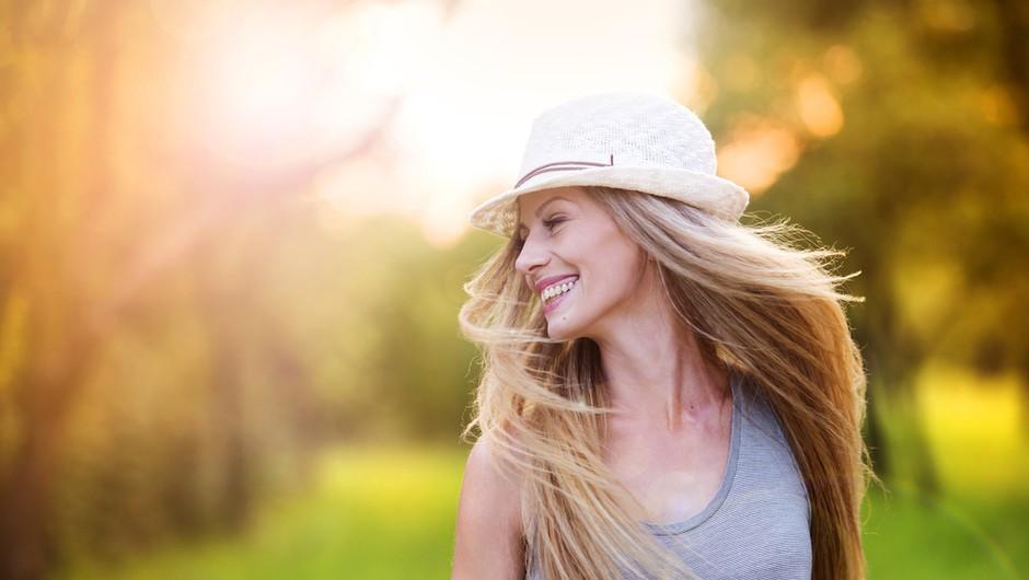 Katerih 7 lastnosti vas lahko naredi še (bolj) privlačne? (mi stavimo na št. 6) (foto: Shutterstock)