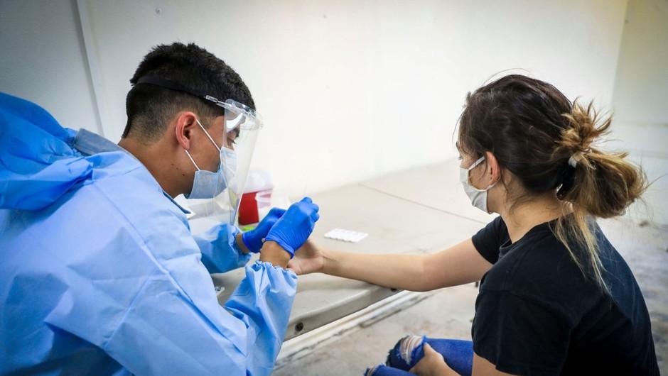 K rekordnemu dnevu po številu  okužb na svetu največ prispevali ZDA, Brazilija in Indija (foto: profimedia)