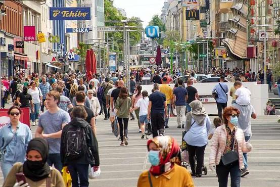 V Avstriji prvič po 19. maju več kot tisoč aktivno okuženih