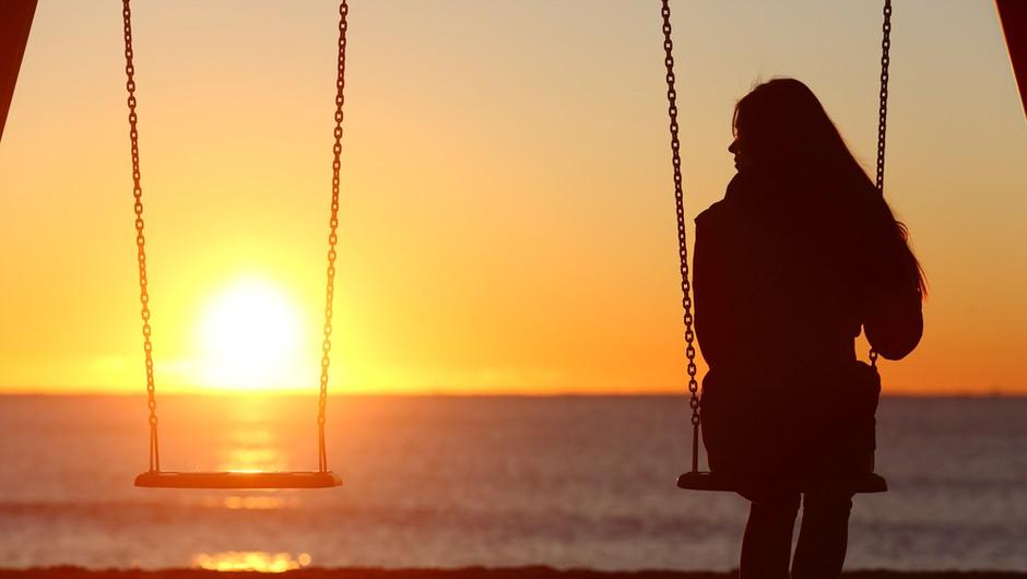 Kar naenkrat me je izbrisal(a) iz svojega življenja. Kaj naj naredim? (foto: Shutterstock)