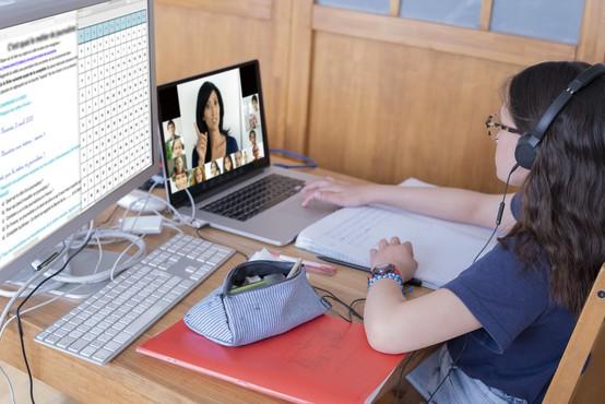 Raziskava: Učenje na daljavo zahtevnejše, a uspešno
