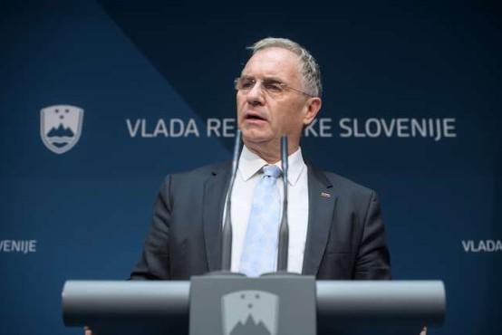 DZ ni prejel obvestila predsednika vlade o odstopu Aleša Hojsa