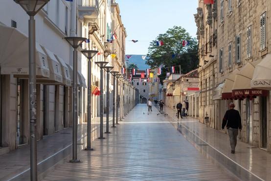 Na Hrvaškem so od torka popoldne potrdili še 53 okužb