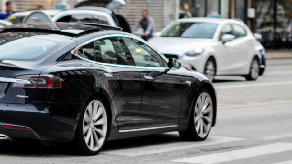 Elon Musk s Teslo blizu razvoju povsem avtonomnega vozila (foto: profimedia)