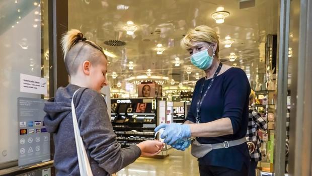 Na Hrvaškem še 116 okuženih, kar je najvišja dnevna številka od 25. februarja. Slabi podatki tudi iz BiH. (foto: profimedia)