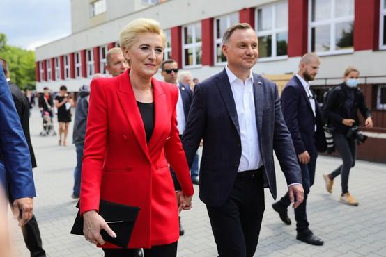 O novem predsedniku bodo na Poljskem odločale desetinke
