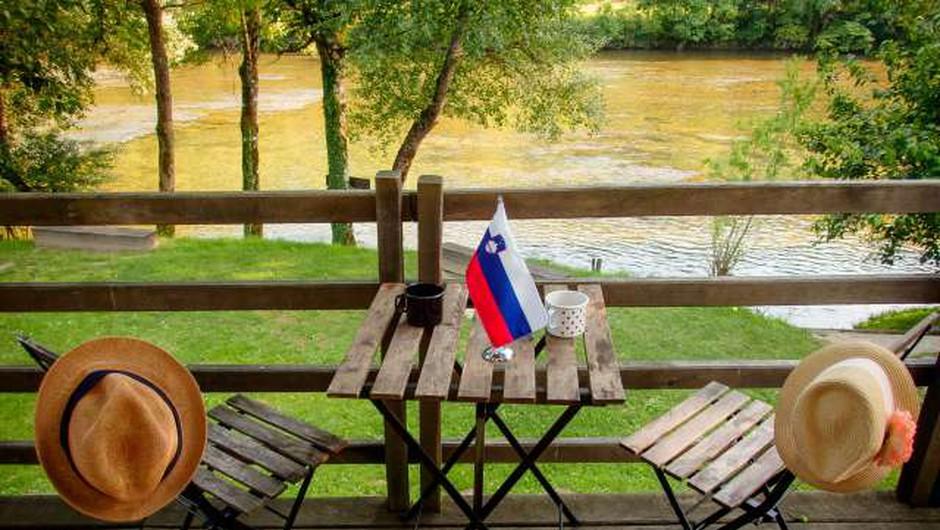Prebivalci Slovenije so doslej unovčili 100.000 turističnih bonov (foto: Nebojša Tejić/STA)