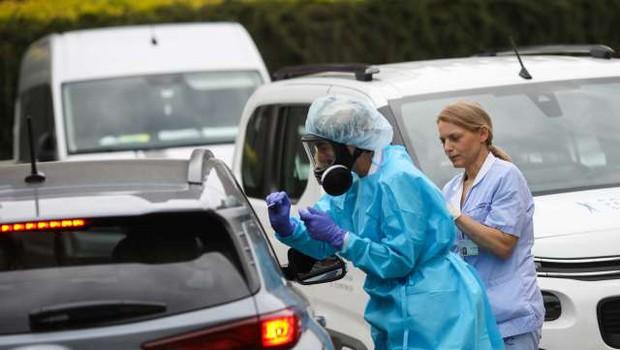 V četrtek potrdili 19 primerov okužb, v Hrastniku še trije novi primeri (foto: Anže Malovrh/STA)