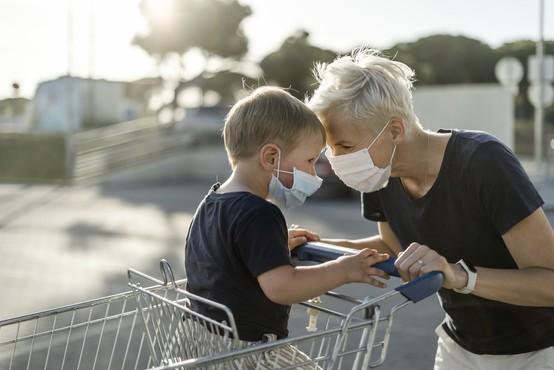 V petek so v Sloveniji potrdili še 24 novih primerov okužbe