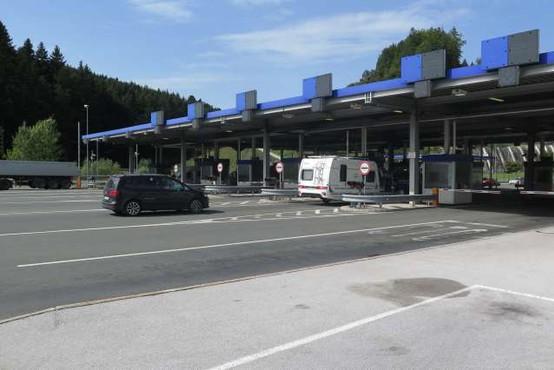 Od danes bodo policisti vročali karantenske odločbe na vseh mejnih prehodih s Hrvaško