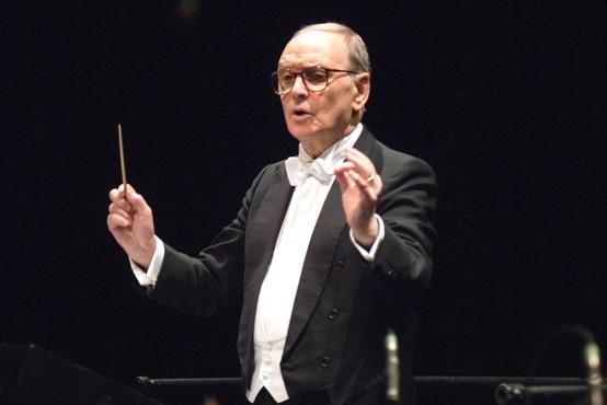 Nedavno preminuli skladatelj Ennio Morricone v Rimu dobil dvorano z njegovim imenom