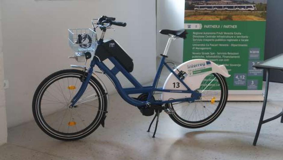 S projektom Crossmoby si bo mogoče izposoditi električno kolo (foto: Rosana Rijavec/STA)