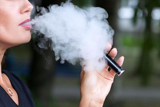 Philip Morris International lahko oglašuje tobačni izdelek IQOS kot izdelek z nižjim tveganjem