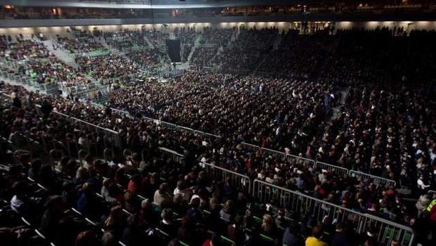 Nemški znanstveniki nameravajo izvesti eksperiment o širjenju virusa med obiskovalci koncertov (foto: Stanko Gruden/STA)