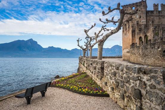 Gardsko jezero: TOP destinacija za pohodnike, kopalce in raziskovalce