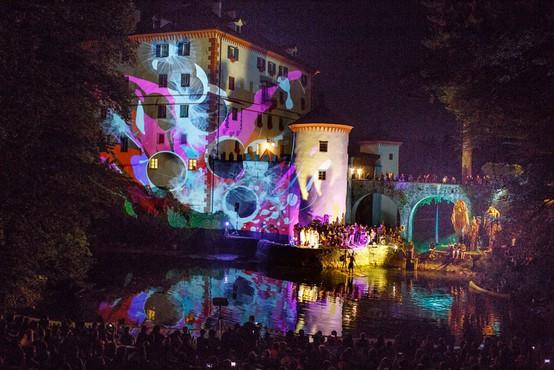 Floating Castle (Plavajoči grad) v znamenju Zofijinega sveta