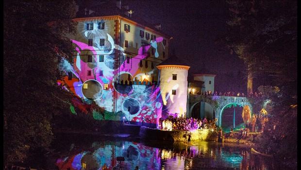 Floating Castle (Plavajoči grad) v znamenju Zofijinega sveta (foto: Floating Castle)