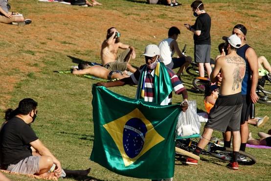 V Braziliji, Kolumbiji in Mehiki padajo rekordi pri okužbah in umrlih
