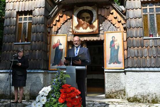 Na slovesnosti ob Ruski kapelici pod Vršičem poziv k solidarnosti med narodi