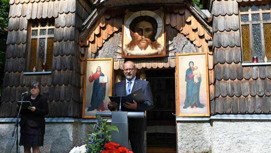 Na slovesnosti ob Ruski kapelici pod Vršičem poziv k solidarnosti med narodi (foto: STA/Tamino Petelinšek)