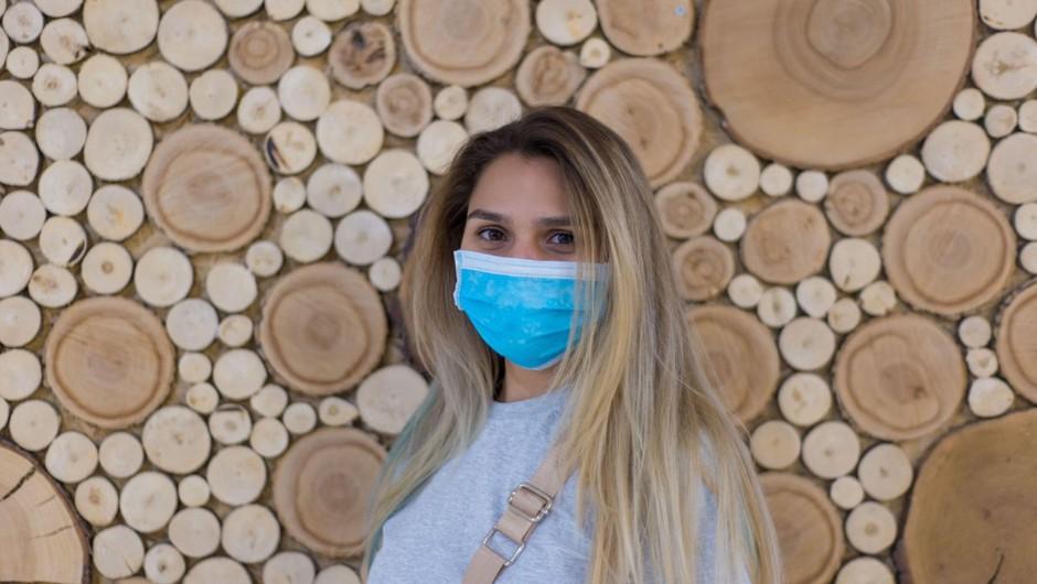 Neuporabe zaščitnih mask ni mogoče sankcionirati (ker ni bila razglašena epidemija) (foto: profimedia)