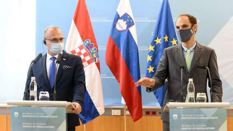 Logar povabil hrvaškega kolega, naj zaplava v Piranskem zalivu (foto: Tamino Petelinšek/STA)