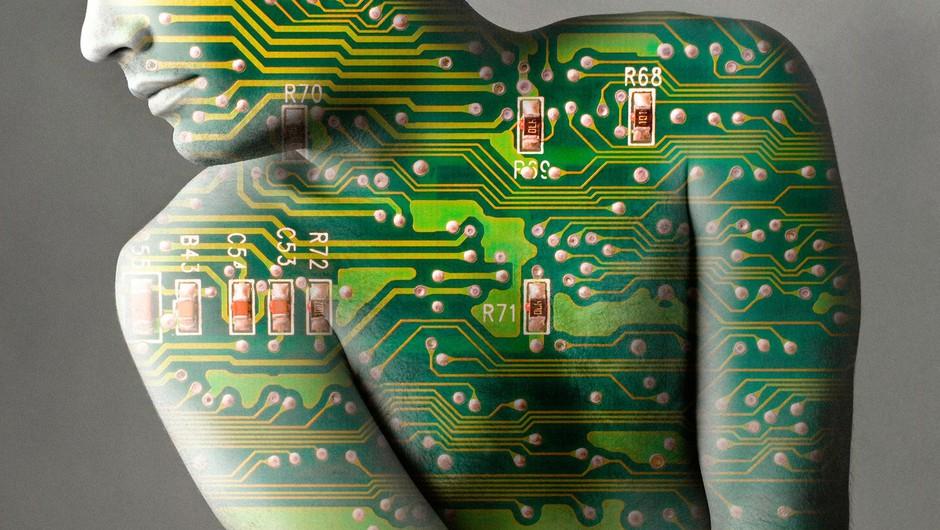Bo umetna inteligenca že v manj kot petih letih pametnejša od ljudi? (foto: profimedia)