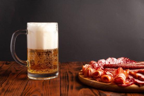 V Nemčiji prstni odtisi na pivskem vrčku dokazali umor po 28 letih
