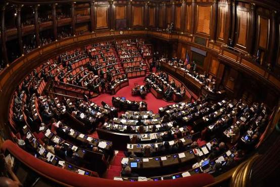 Italija izredne razmere zaradi covida-19 podaljšala do sredine oktobra