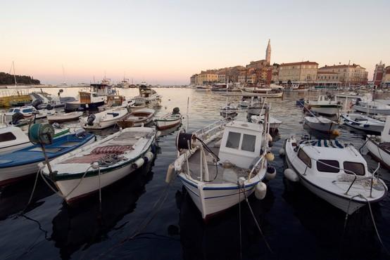 Na Hrvaškem 71 novih okužb, štirje primeri tudi na zunanjem ministrstvu