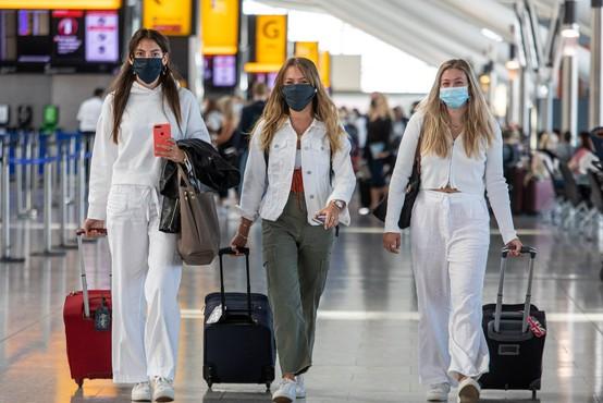 Heathrow ob milijardni izgubi poziva k testiranju potnikov namesto karantene