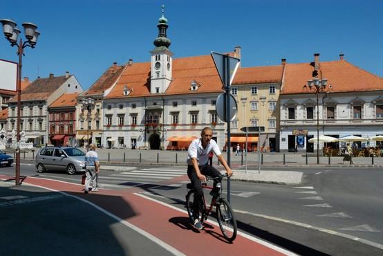 V sredo v Slovenij potrdili 24 okužb z novim koronavirusom