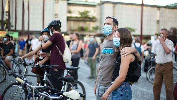 Tokratni protest v Ljubljani kot ekskurzija v preteklost, ko so protestniki podprli  zdajšnjega premierja (foto: profimedia)