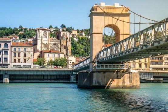 Upad dnevno okuženih v Avstriji s 175 na 82, največ pozitivnih na Dunaju