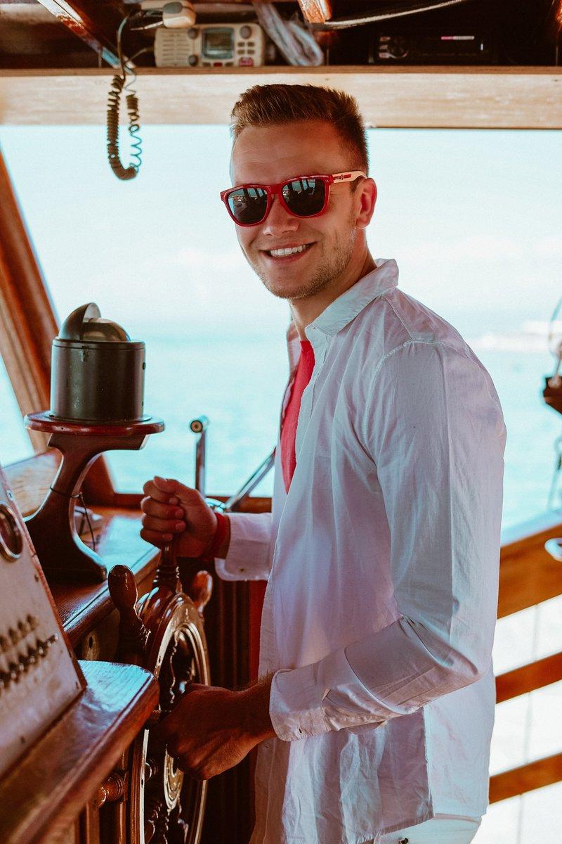 Luka Basi najraje dopust preživlja na morju.