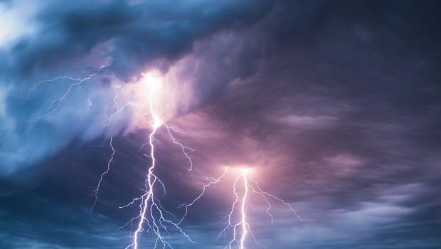 Zvečer in ponoči ponovno krajevna neurja. Največ padavin na jugu države. (foto: Shutterstock)