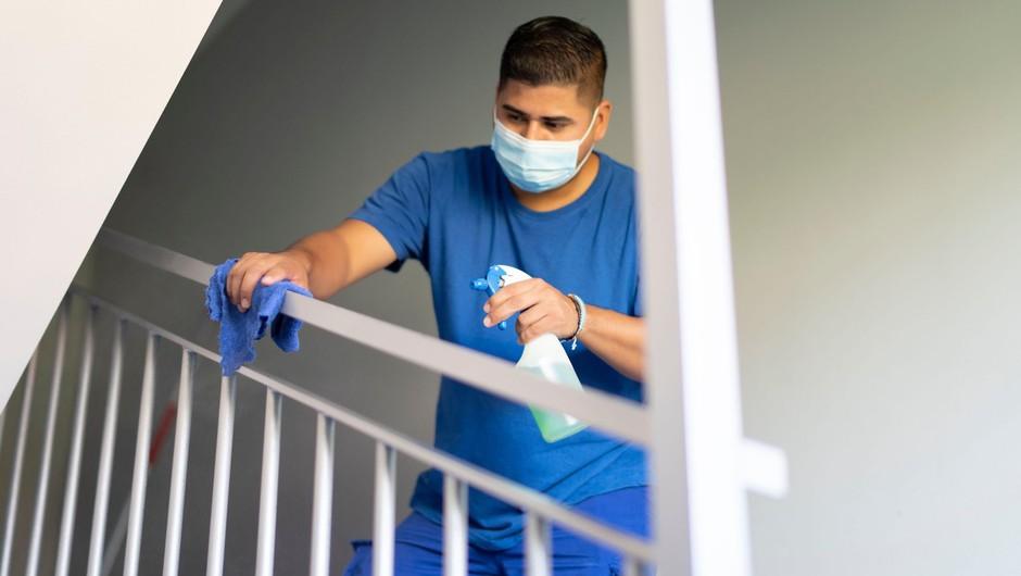 V ponedeljek devet pozitivnih testov, v Domu starejših Hrastnik tri nove okužbe (foto: Profimedia)