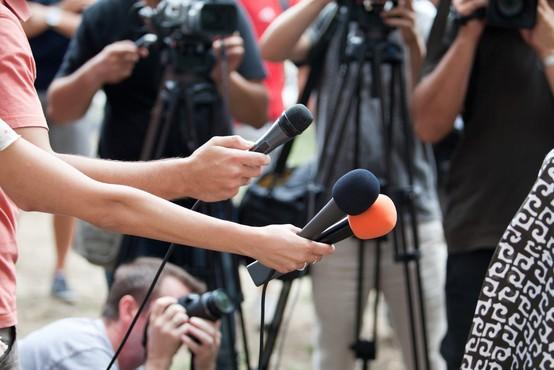 V Društvu novinarjev Slovenije so se odzvali na izolski incident ob poročanju s protesta