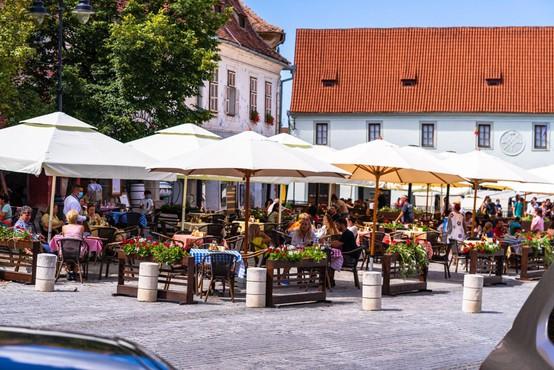 Slovenija: med 304 sobotnimi testi so potrdili dve okužbi, ena oseba je umrla