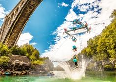 Norija pod Solkanskim mostom! Dunking Devils izvajali akrobatske vragolije na visečem trampolinu (video)