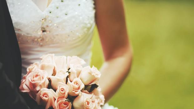 """Vdrla na poroko in sredi obreda ženinu zakričala: """"Noseča sem s tvojim otrokom!"""" (foto: Shutterstock)"""