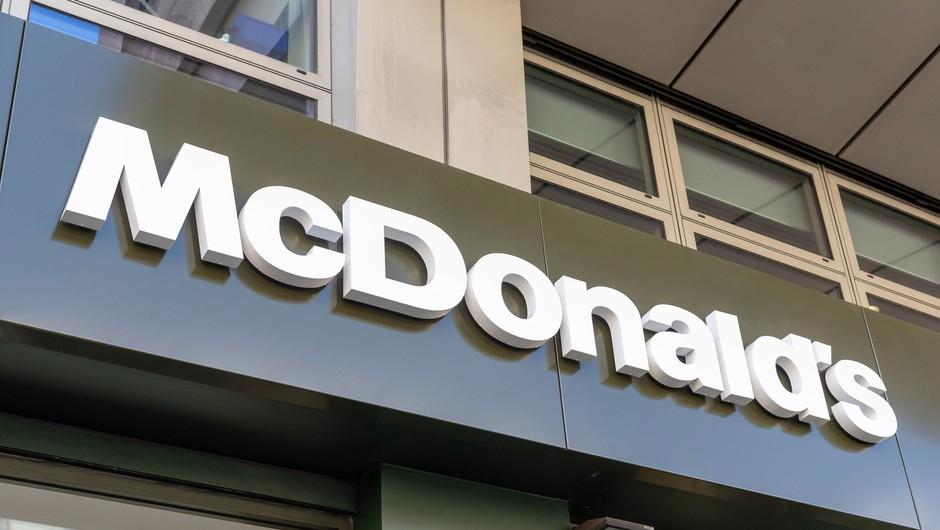 McDonalds s tožbo proti nekdanjemu glavnemu izvršnemu direktorju Stevu Easterbrooku (foto: Profimedia)