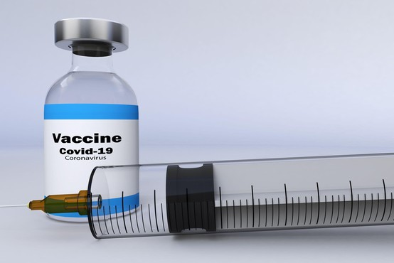 Evropska komisarka za zdravje upa na cepivo proti covidu-19 do konca leta
