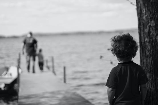 7 znakov, da vas je zaznamovala travma iz otroštva