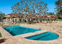 Družina Kardashian se je zatekla v tole 125 milijonov vredno vilo