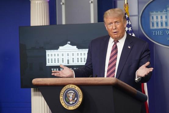 V ZDA bodo zaradi nezadovoljstva Donalda Trumpa spremenili pravilnik o prhah