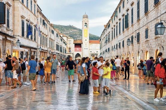 Na Hrvaškem največji porast okužb od začetka epidemije