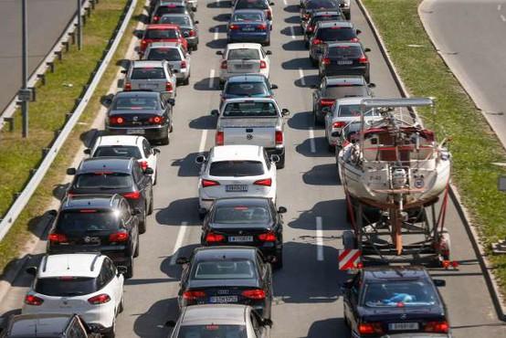 Tudi danes se pričakuje povečan promet na slovenskih cestah