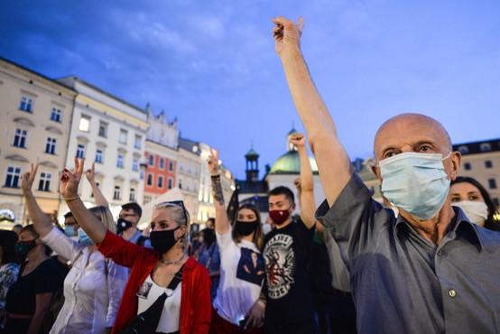 Belorusi še naprej protestirajo, napovedano tudi zborovanje Lukašenkovih podpornikov