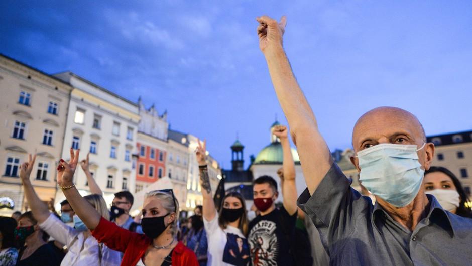 Belorusi še naprej protestirajo, napovedano tudi zborovanje Lukašenkovih podpornikov (foto: profimedia)